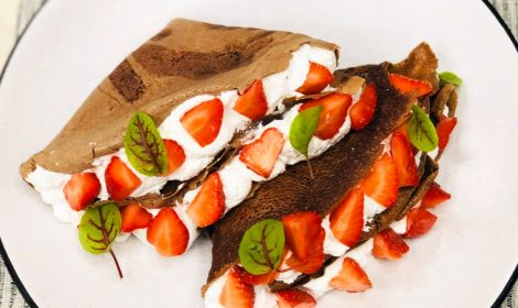 Chocolate Crepes with strawberries (2)